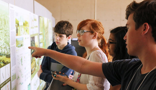 Students view plans at City Design Studio