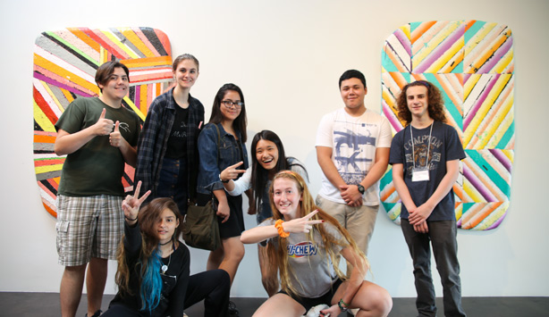 Students visit Barry Whister Gallery