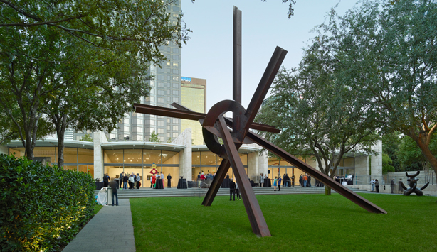 Nasher Garden, Mark di Suvero