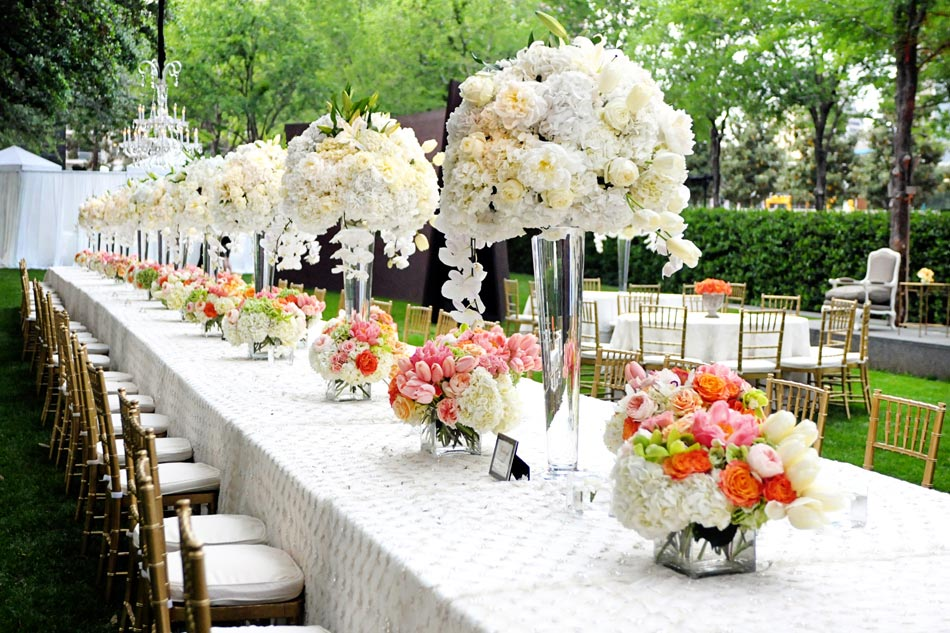Wedding Dinner Reception In The Nasher Garden With King Tables And Cabanas For Dancing Hour At